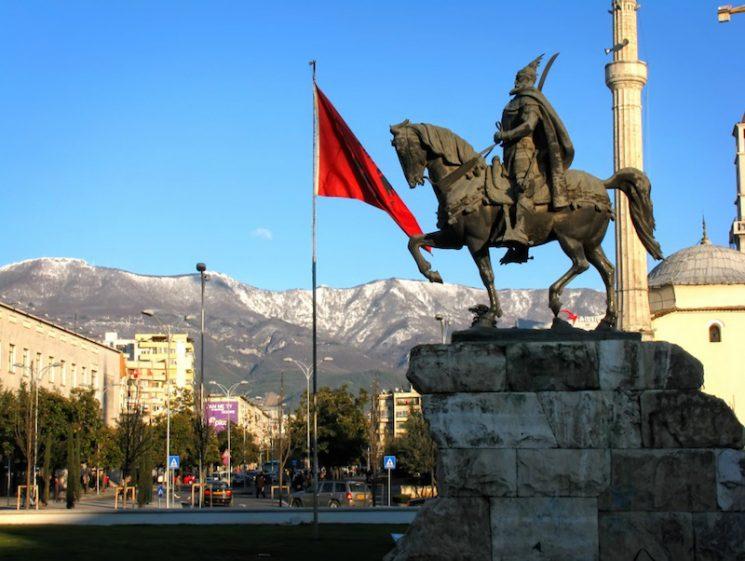 Albania: petrolio